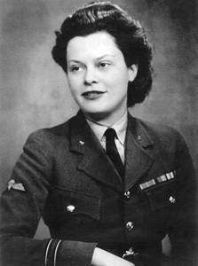 Flight Officer Yvonne Baseden pictured in WAAF uniform (1946)